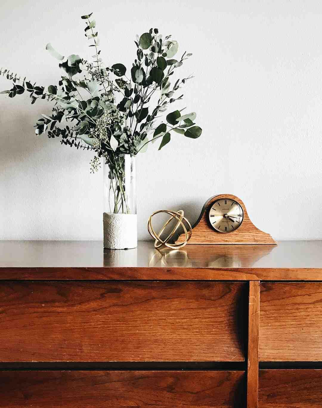 Comment nettoyer des meubles anciens